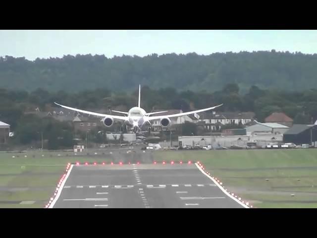 Если за штурвал Boeing 787 садится пилот истребителя F-18.360