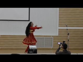 Анастасия Дмитренко. Бандари. Благотворительный концерт бездомных животных. 18.10.2015 год