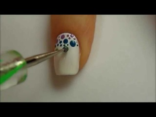 Летний радужный маникюр  Видео урок по дизайну ногтей