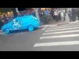 Homem estaciona carro em vaga para deficientes em maringá-pr
