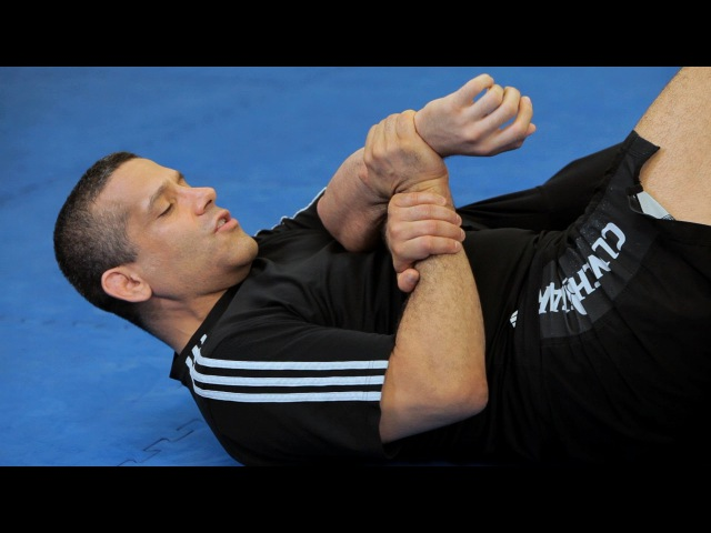 How to Do a Traditional Kimura from Guard   MMA Submissions