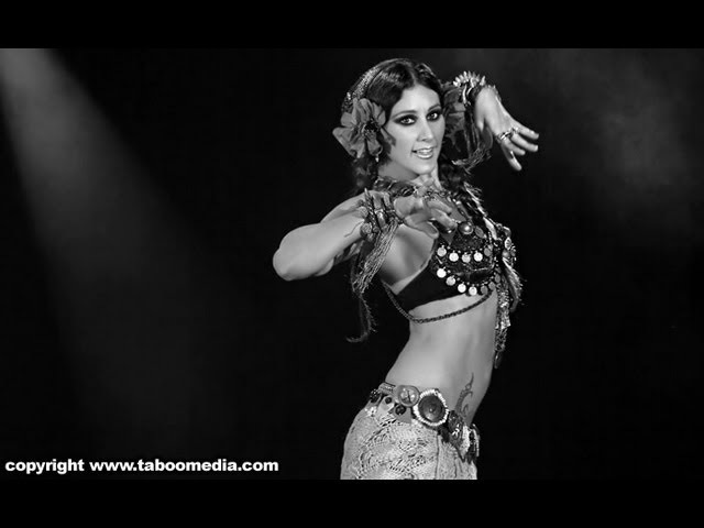 Rachel Brice Mardi Love perform in The Massive Spectacular! 2011