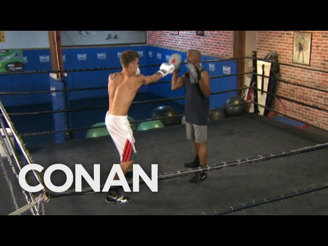Justin Bieber SECRET sparring for Tom Cruise
