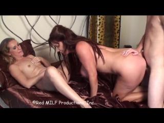 Двух зрелых парнишка трахает во всюGooD PorN 18+секс.порно.анал.Milfs/