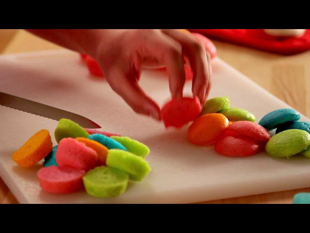 Cupcake Poppers Betty Crocker's Red Hot Holiday Trends