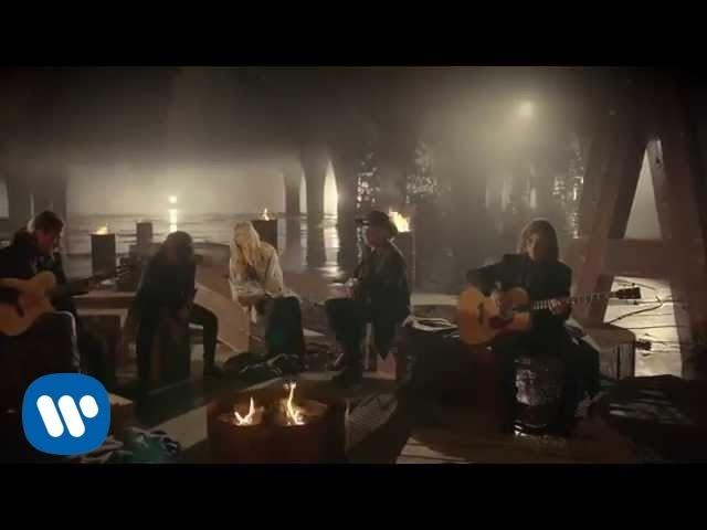 Maná - Mi Verdad a dueto con Shakira (Video Oficial)