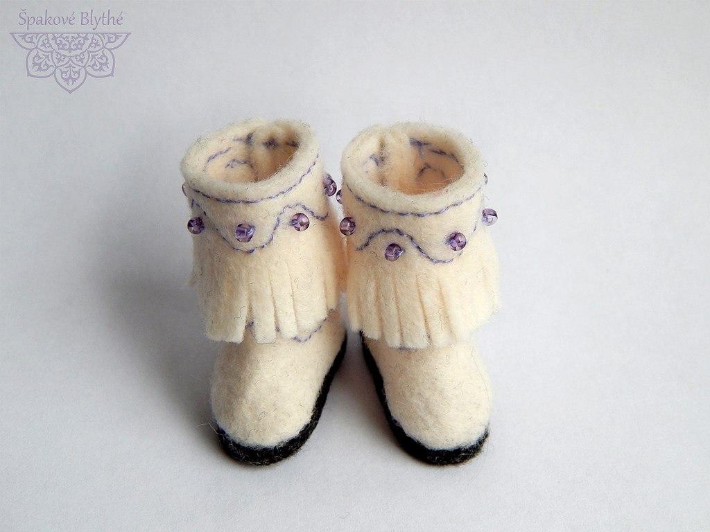войлочные сапожки для куклы