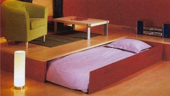 изготовление кроватей под подиум на колесиках сколько