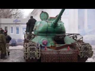 Ukraine War ;T-34/85 of Novorussian forces---Guerra Ucraina Carro T-34/85 esercito del donbass