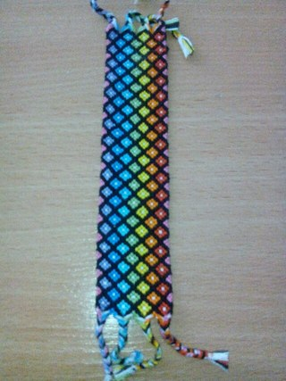 Плетём фенечки | ВКонтакте
