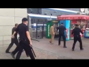 Полиция Украины и бомж с ложкой
