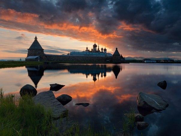 Белая ночь на Соловках, Архангельская область. Автор фото: Сергей Ершов ( Спокойной ночи!