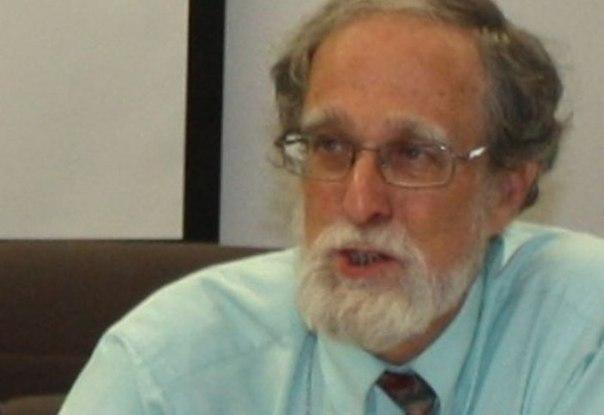 Қазақ тілін 40 жыл зерттеген профессор шала қазақтарды сынамауға шақырды