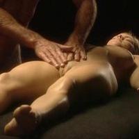 vizvat-massazhista-dlya-eroticheskogo-massazha-na-dom-v-sochi-video-gospozha-prikazivaet-rabu-delat-kuni