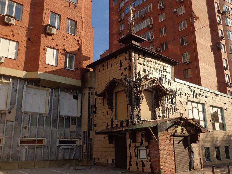 Дома у больницы Вишневского