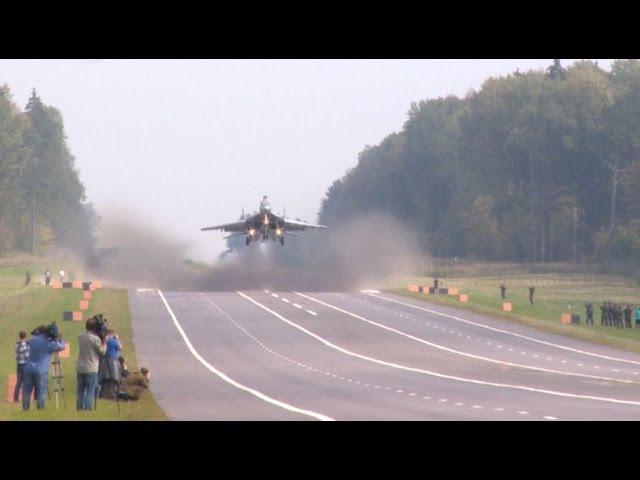 Посадка самолетов МиГ-29 и Су-25 на АУД. Взлет на боевое применение