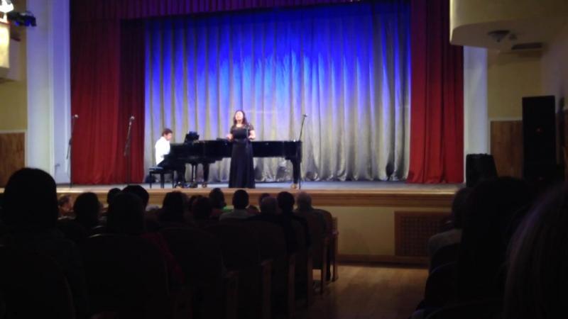 Концерт в ярославской филармонии...Поет выпускница школы Олеся Музыка