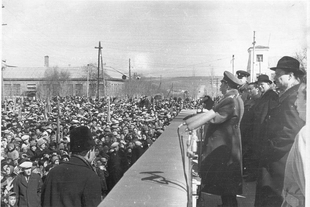 Буденный С.М. в Элисте. 1964 год.