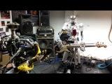 Роботы-гитаристы исполнили композицию Ace of Spades группы Motorhead