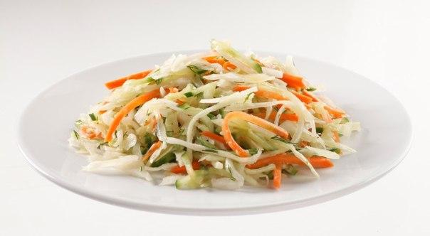 Салат из капусты огурца морковиы