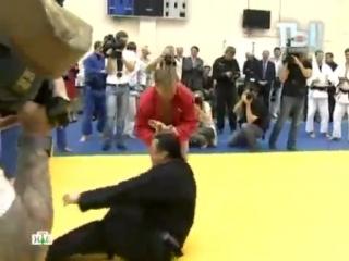 Стивена Сигала кинули в Москве