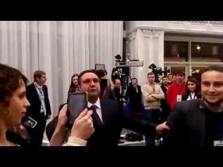 Russian media. LifeNews reporter. Корреспондент LifeNews гавкнул на украинских коллег в Минске