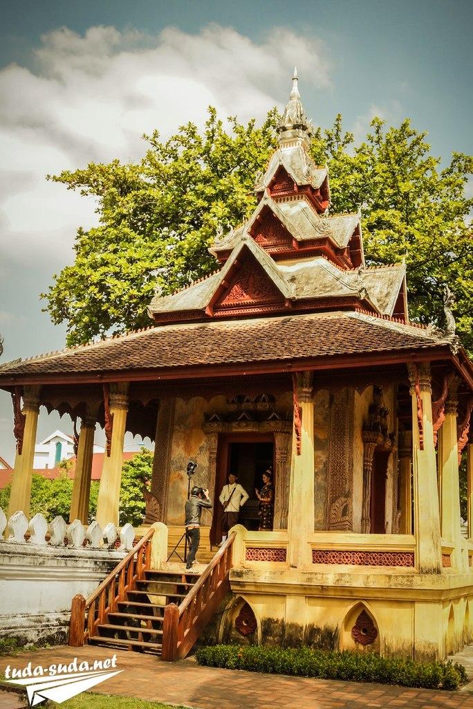 Храм Вьентьян фото