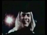 4 Апреля 1946 года родился Дэйв Хилл (Dave Hill), гитарист легендарной британской рок-группы Slade.  Как и все глэм-рокеры, Slade создавали себе яркие сценические образы. Особенно отличался Хилл, которого считали главным клоуном в команде. Музыкальный