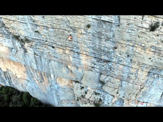 No Rope, No Chalk...No Clothes - The Purest Form Of Climbing? | EpicTV Fresh Catch