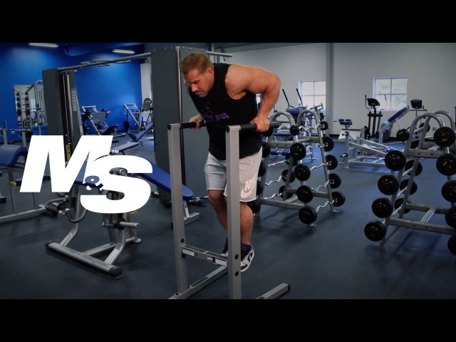 Jay Cutler's Training Tips: Dips Focusing On Triceps