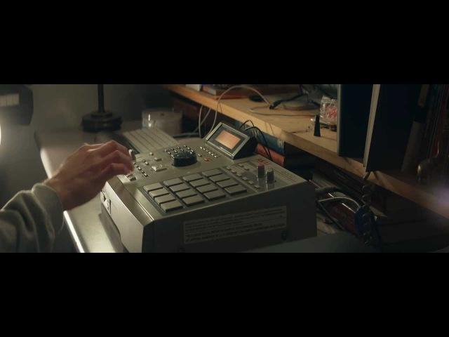 Sinuous - Jazzy Hip Hop Beat Making Video AKAI MPC2000XL (Full 1080p HD)