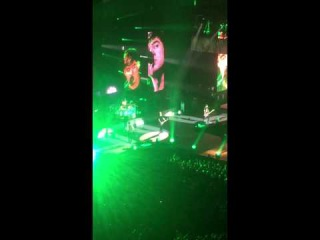 Michael Clifford falling down on the stage in Leeds #ROWYSOtour