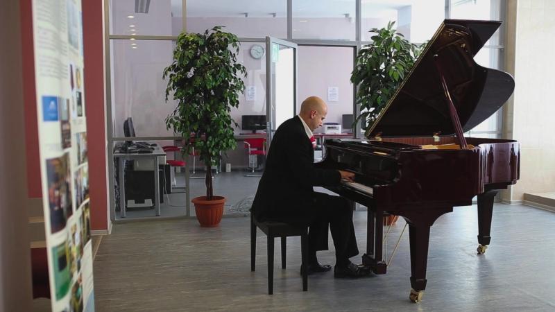 Концерт пианистов-любителей. Ф.Шуберт Соната a-moll (op. 42), moderato (исп. Юрий Соколов)