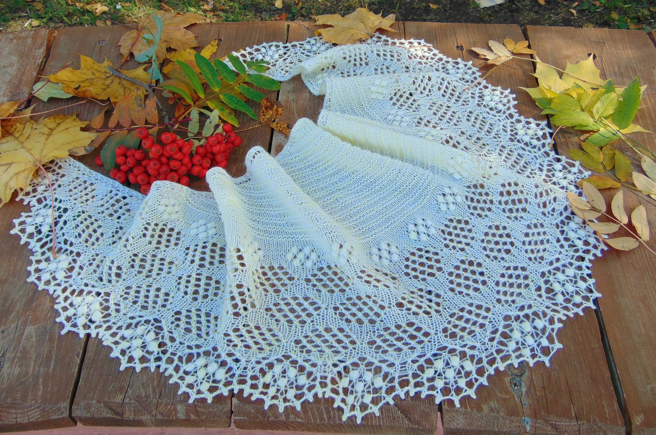 Первый этап совместного вязания шали Молоко и мёд, дизайнер Любовь Шальная