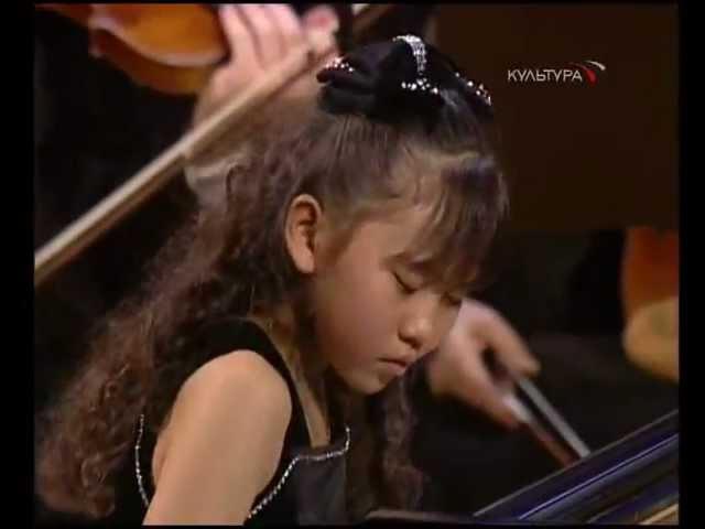 Mozart Piano Concerto 26. Aimi Kobayashi