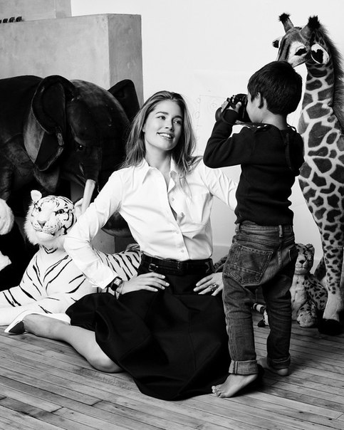 Даутцен Крез с мужем Саннери для журнала Vogue Netherlands March 2015 позитивная яркая солнечкая фотосессия