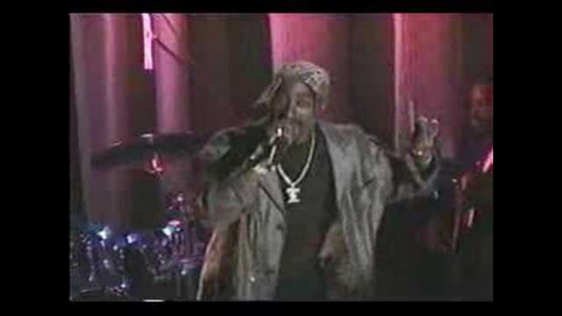 2pac performs