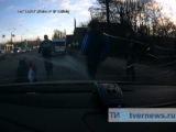 В Твери на пешеходном переходе сбили девушку