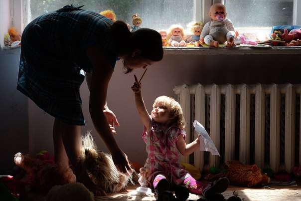 Беженцы из Славянска в одном из общежитий Иловайска Донецкой области