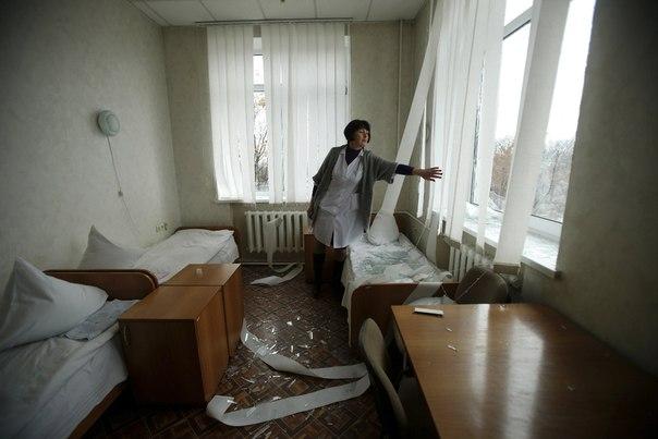 Несколько попаданий в больницу, что в западной части Донецка