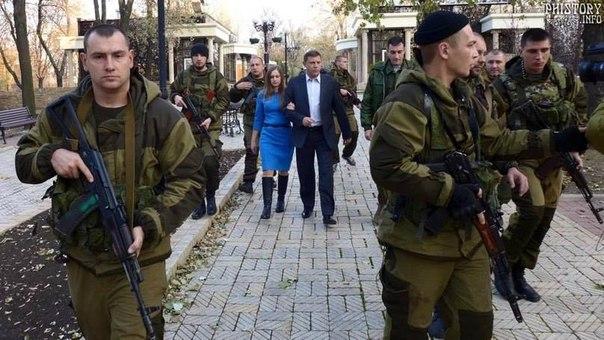 Александр Захарченко на выборах 2 ноября впервые показал публично свою спутницу жизни