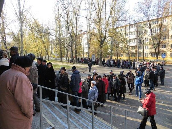Небывалые очереди в избирательные участки на выборах 2 ноября