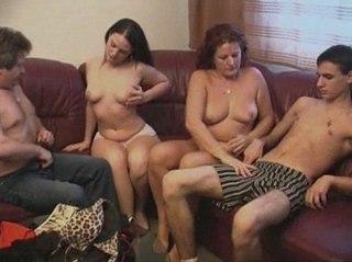 смотреть онлайн порно фото инцеста № 642912 бесплатно