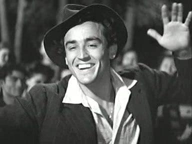 1 сентября родился выдающийся итальянский актёр театра и кино, а также режиссёр и писатель Витторио Гассман (1922-2000). С 1942 года на театральной сцене, в конце 40-х годов стал звездой, играя в труппе Лукино Висконти в произведениях Шекспира, Теннесси Уильямса и др. В начале 50-х сыграл Гамлета в спектакле Луиджи Скуарцины и стал актёром №1 итальянской сцены, в 1959 году основал Итальянский народный театр, играл также роли Отелло, Ричарда 3-го и др.