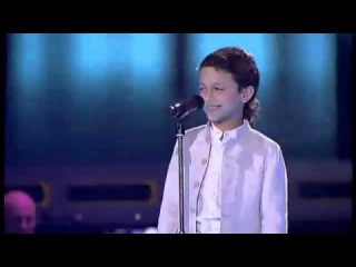 Little Raul's singing will give you goose bumps!.. :)