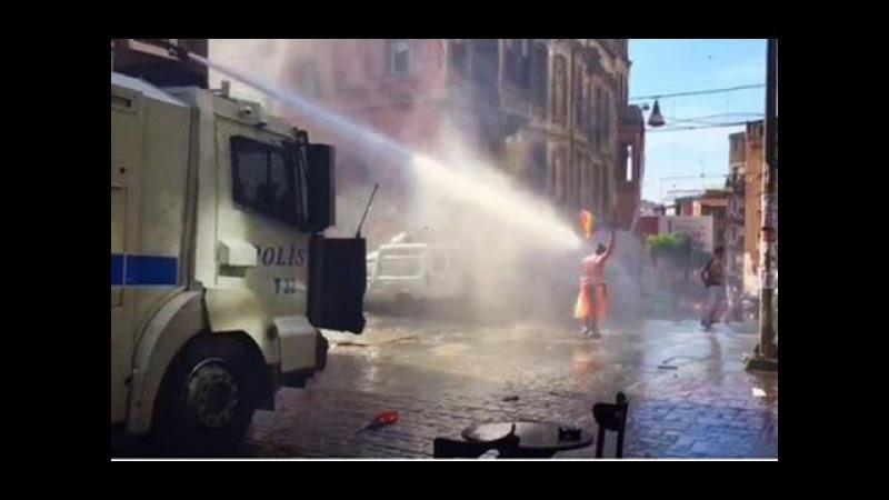 Турция Разгон гей парада в Стамбуле nehwbz hfpujy utq gfhflf d cnfv ekt