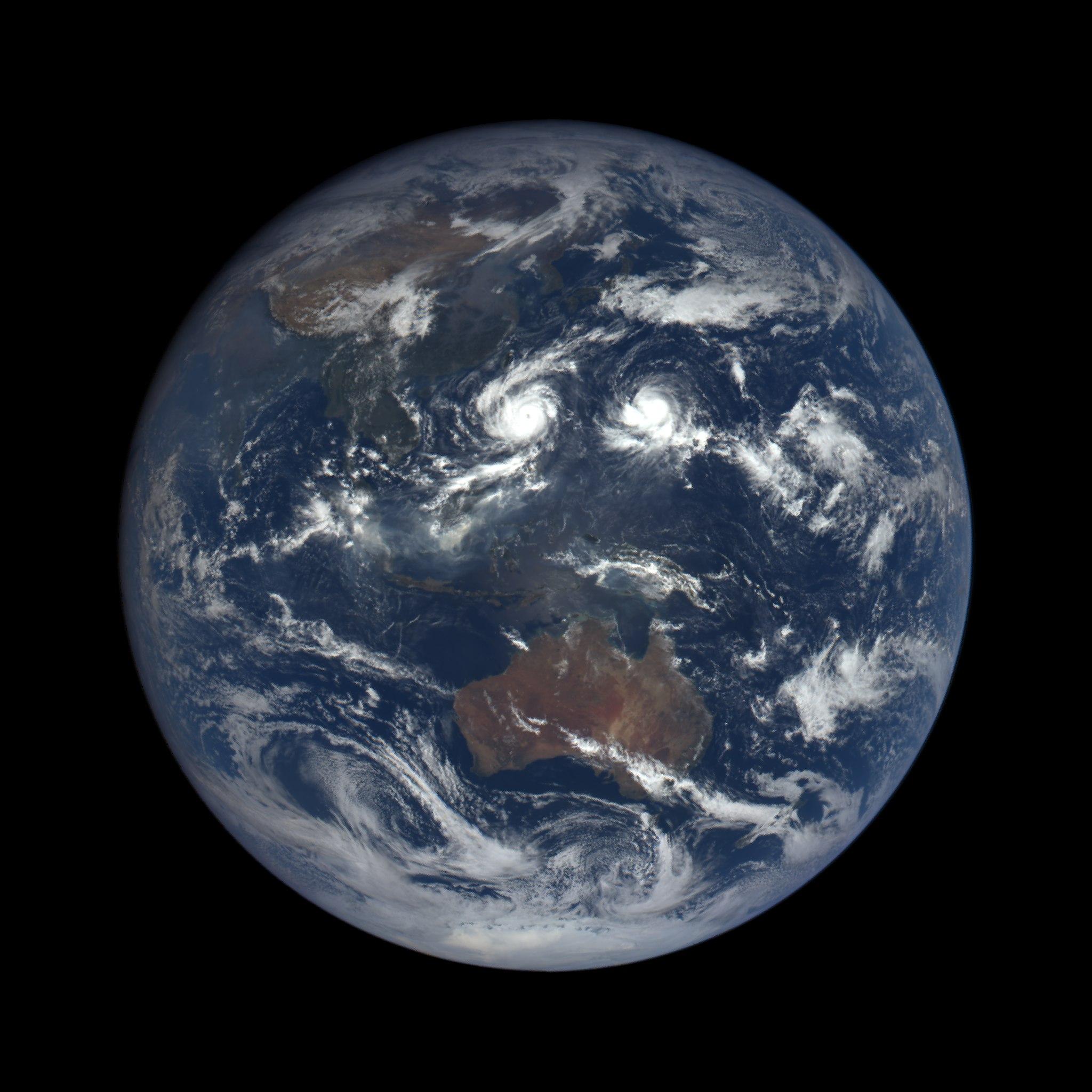 Анимацию Вращение Земли
