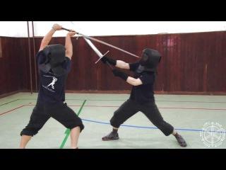 Техника фехтования двуручным (полуторным?) мечом