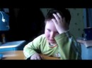 Мальчик учит ОЧЕНЬ сложный стих