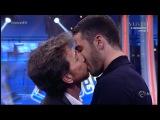 El Hormiguero 3.0 - Pablo Motos besa a Miguel